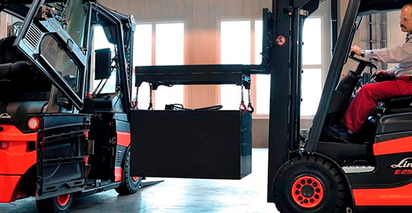 Pallet trucks and forklifts